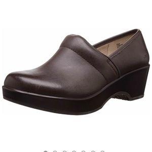 JAMBU Córdoba brown leather clog heel size 9M